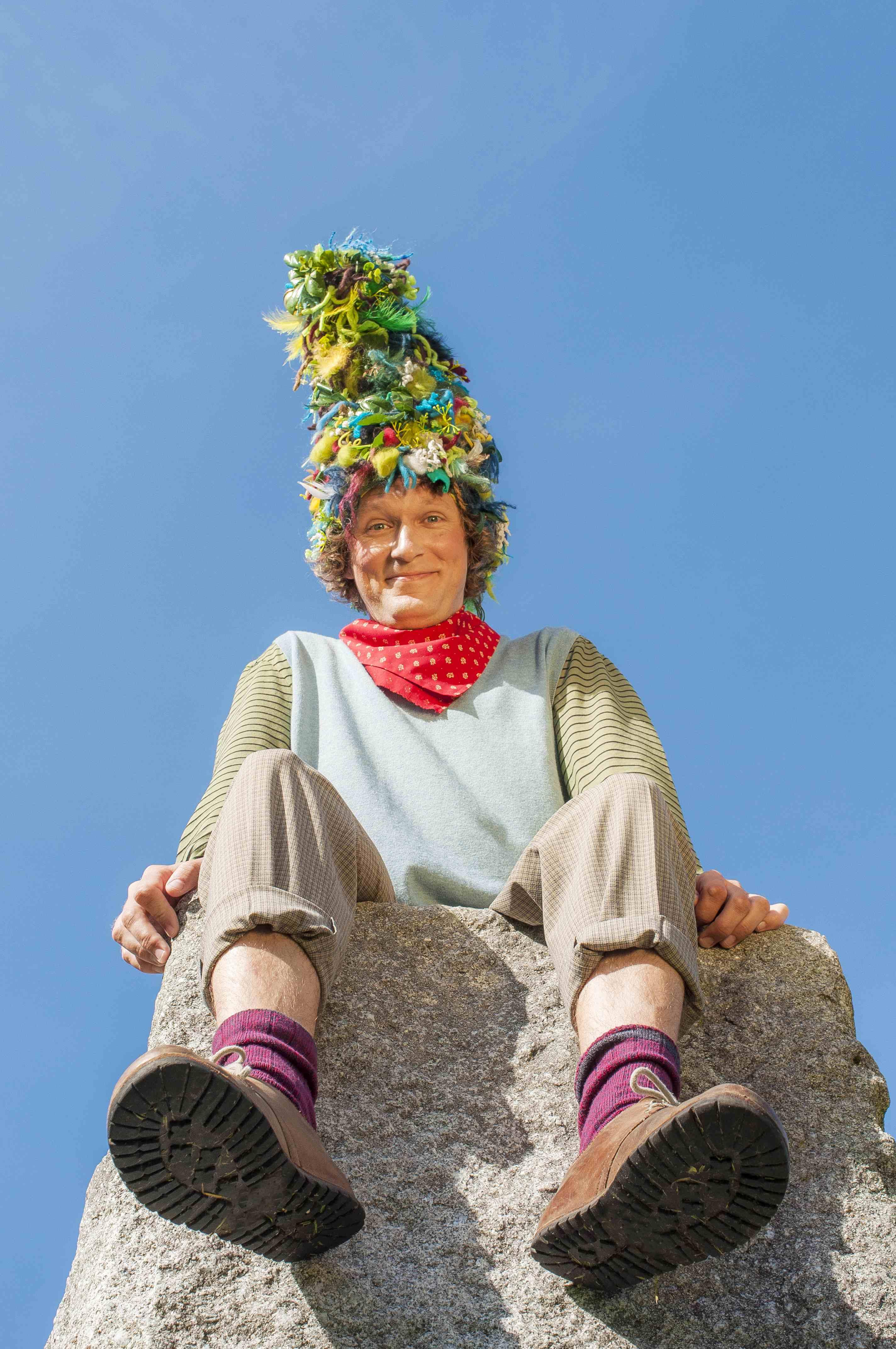 Slika: Hörbe mit dem großen Hut © Lea Friessner